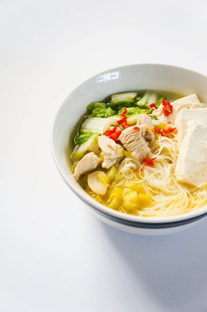 Garlic soup with vermicelli 3
